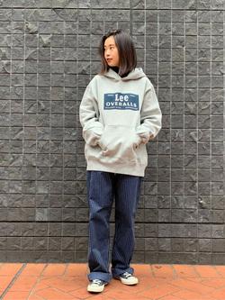 大阪店のmotomiさんのLeeの【Winter sale】【ヘビーウエイト】プリントパーカー2を使ったコーディネート