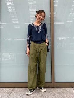 ルクア大阪のmotomiさんのLeeのミリタリー ベイカーパンツを使ったコーディネート