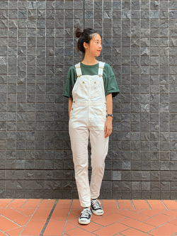 大阪店(閉店)のmotomiさんのLeeの【すっきり着こなす】オーバーオール ストレッチスリムを使ったコーディネート