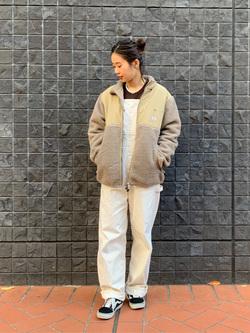 大阪店のmotomiさんのLeeの【ユニセックス】フリースジップアップジャケットを使ったコーディネート