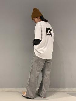 大阪店のmotomiさんのLeeのワンポイントロゴ刺繍ポケット付きTシャツ/長袖を使ったコーディネート
