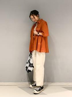 大阪店のmotomiさんのLeeの【SALE】シアーシースルーシャツ半袖を使ったコーディネート