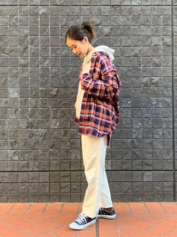 大阪店のmotomiさんのLeeの【ユニセックス】ミニロゴ刺繍 フーディ/パーカーを使ったコーディネート