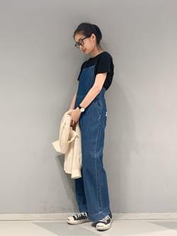 大阪店のmotomiさんのLeeの【直営店/WEB限定カラー】リラックスサロペットを使ったコーディネート
