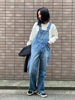 大阪店のmotomiさんのLeeの【The DENIM】Vintage オーバーオール/サロペットを使ったコーディネート