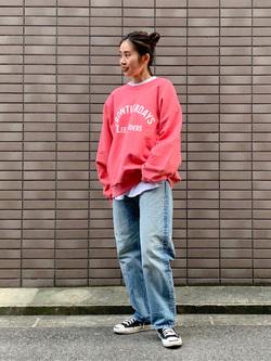 大阪店のmotomiさんのLeeのラグラン プリントスウェット/トレーナーを使ったコーディネート