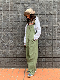 大阪店のmotomiさんのLeeの終了ミリタリー オーバーオールを使ったコーディネート