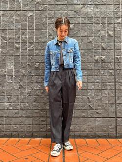 大阪店のmotomiさんのLeeのメンズサイズ追加【着回し力抜群のきれいめパンツ】タック入り トラウザーパンツを使ったコーディネート