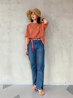 大阪店のmotomiさんのLeeの【SALE】バルーンフィット 半袖Tシャツを使ったコーディネート