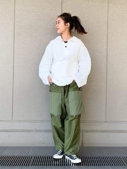 ルクア大阪のmotomiさんのLeeのミリタリー パーカージャケットを使ったコーディネート