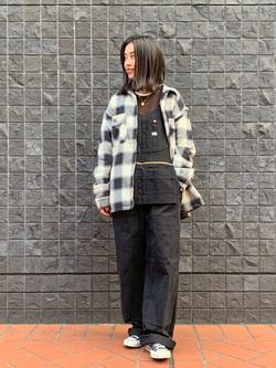 大阪店のmotomiさんのLeeのエプロンオーバーオールを使ったコーディネート