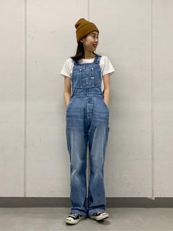 大阪店のmotomiさんのLeeの【竹下玲奈さんモデル】オーバーオールを使ったコーディネート