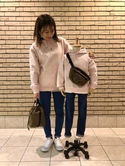 札幌パセオ店のChisatoさんのLeeのキッズ ワンポイントロゴ刺繍フーディ/パーカー【110/130/150】を使ったコーディネート
