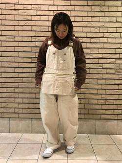 札幌パセオ店のChisatoさんのLeeの【再値下げ Winter sale】エプロンオーバーオールを使ったコーディネート