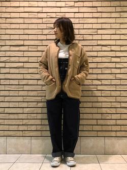 札幌パセオ店のChisatoさんのLeeの【オールシーズン着回せる】オーバーオール テーパードを使ったコーディネート