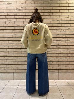 札幌パセオ店のChisatoさんのLeeの【直営店・WEB限定】バックプリント スウェット/トレーナーを使ったコーディネート