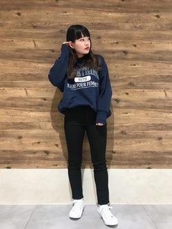 錦糸町PARCO店のyuikaさんのSOMETHINGの【おうち時間応援セール】SOMETHING ロゴ ビッグスウェット(トレーナー)を使ったコーディネート