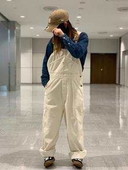 成田空港店(閉店)のYuzukiさんのLeeの終了【mina 1 月号掲載】URBAN DUNGAREES オーバーオールを使ったコーディネート