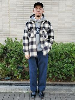 堀江店のAtsuyaさんのLeeの【Winter sale】【さらっと羽織れる】シャツジャケットを使ったコーディネート