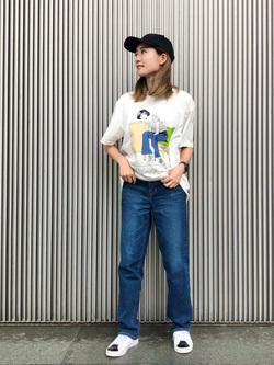 LINKS UMEDA店のMANAEさんのEDWINの【限定】ジーパン女子×江口寿史 Tシャツ Afternoon class 【ユニセックス】を使ったコーディネート
