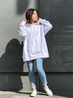 LINKS UMEDA店のMANAEさんのEDWINの【直営店限定】ジーパン女子 x 江口寿史 パーカー 【ユニセックス】を使ったコーディネート