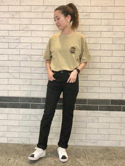 LINKS UMEDA店のMANAEさんのEDWINの終了【サマーセール】EDWINクラシックロゴ Tシャツ 半袖 (革ラベル)を使ったコーディネート