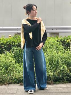 LINKS UMEDA店のMANAEさんのSOMETHINGのSOMETHING バスクシャツを使ったコーディネート