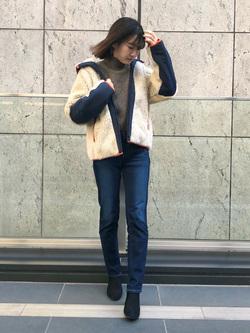 LINKS UMEDA店のMANAEさんのEDWINの【再値下げ Winter sale】F.L.E ボア フリースジャケットを使ったコーディネート