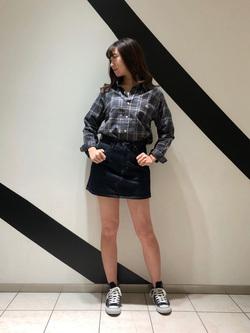 札幌パセオ店のChihiroさんのLeeの【シークレットセーール!!】STANDARD WARDROBE ニーハイスカートを使ったコーディネート