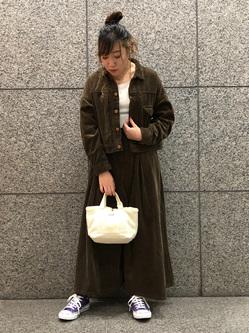 札幌パセオ店のChihiroさんのLeeの【セットアップ対応】STANDARD WARDROBE COWGIRL ジャケット(コーデュロイ)を使ったコーディネート