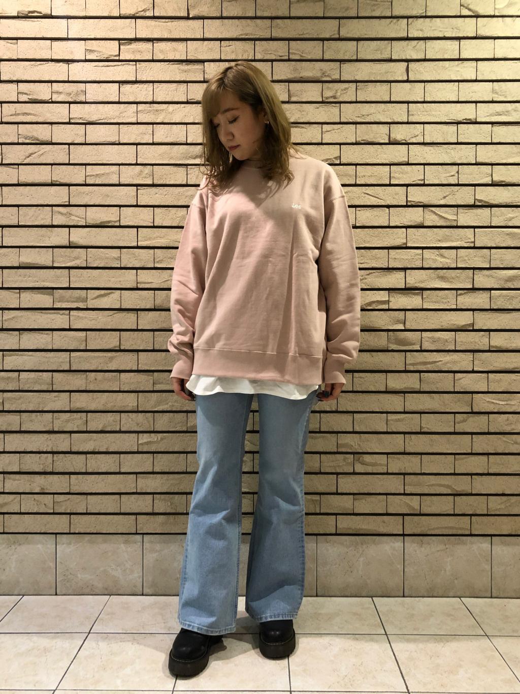 札幌パセオ店のChihiroさんのLeeの【直営店・WEB限定】バックプリント スウェット/トレーナーを使ったコーディネート