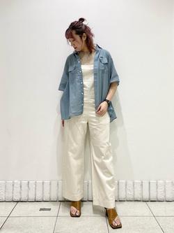 札幌パセオ店のChihiroさんのLeeのシアーシースルーシャツ半袖を使ったコーディネート