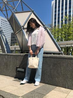 札幌パセオ店のChihiroさんのLeeの【再値下げ!サマーセール】EMBROIDERY ポケット クルーネックTシャツ 半袖を使ったコーディネート