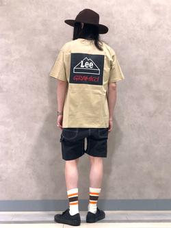 Lee 名古屋店のTakayaさんのLeeの【Lee×GRAMICCI(グラミチ)】バックプリント 半袖Tシャツを使ったコーディネート