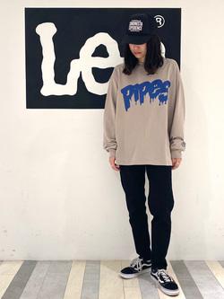Lee 名古屋店のTakayaさんのLeeの【ガレージセール】Pipes ルーズシルエット ロングTシャツ/プリントを使ったコーディネート