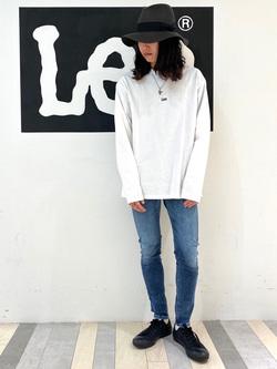 Lee 名古屋店のTakayaさんのLeeの【ガレージセール】【男女兼用】バックプリント長袖Tシャツを使ったコーディネート
