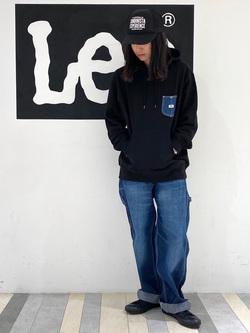 Lee 名古屋店のTakayaさんのLeeの【男女兼用】デニムポケット パーカーを使ったコーディネート
