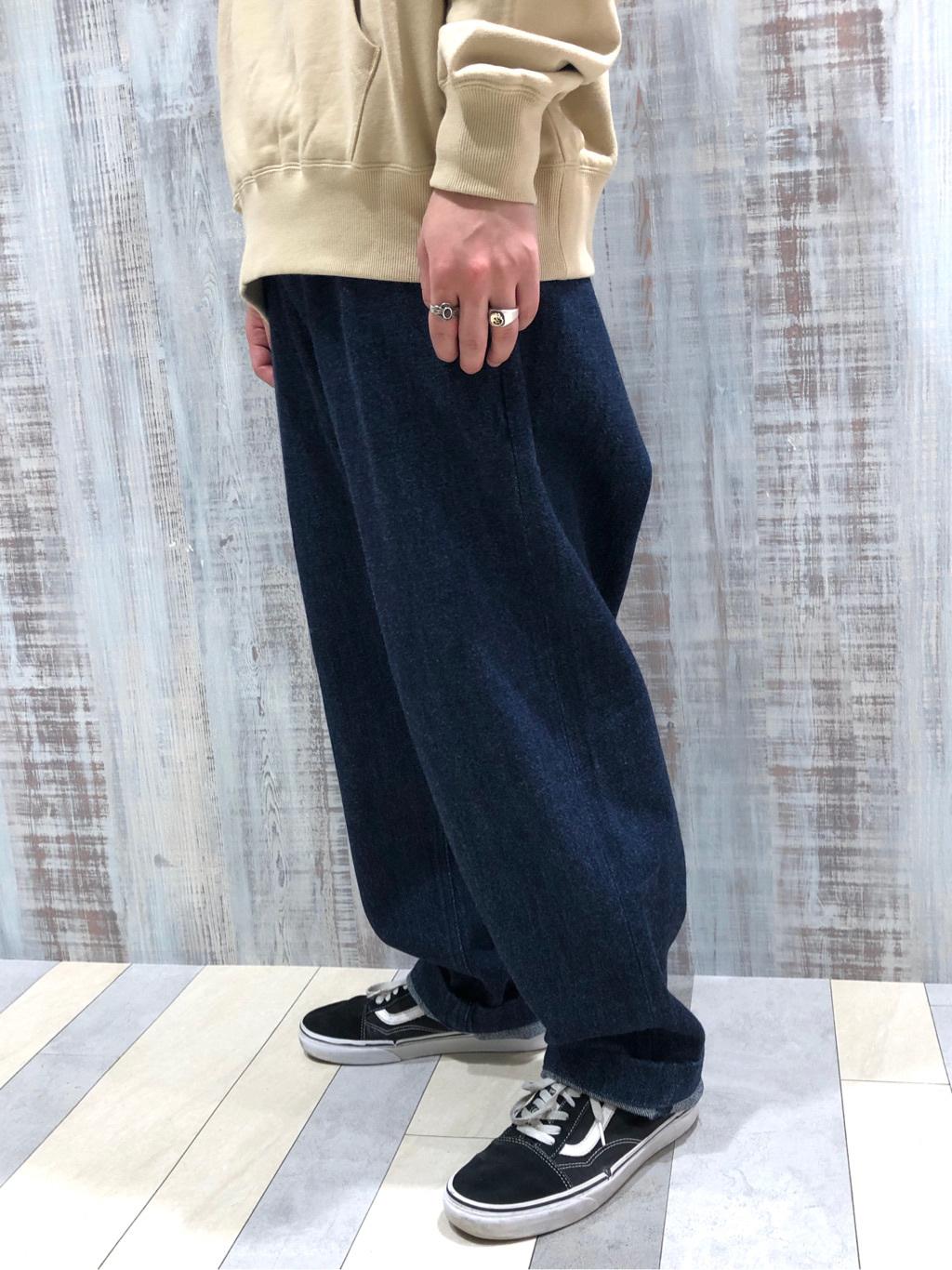 Lee 名古屋店のTakayaさんのLeeの【ユニセックス】ミニロゴ刺繍 フーディ/パーカーを使ったコーディネート