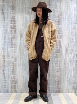 Lee 名古屋店のTakayaさんのLeeの【年間ベストセラー】オーバーオール(コーデュロイ)を使ったコーディネート