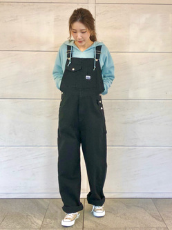 LINKS UMEDA店のhiroさんのSOMETHINGのSOMETHING スリットネック フーディを使ったコーディネート