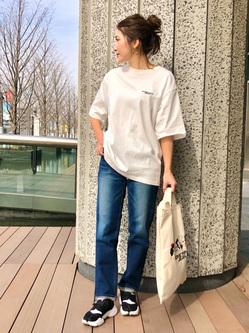 LINKS UMEDA店のhiroさんのSOMETHINGのSOMETHING TOKYO SOME GIRLS Tシャツを使ったコーディネート