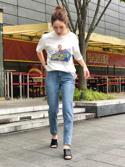 LINKS UMEDA店のhiroさんのEDWINの終了【EDWIN 60周年限定】 クルーネック 半袖Tシャツ Aを使ったコーディネート