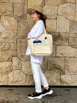 LINKS UMEDA店のhiroさんのEDWINの【直営店限定】ジーパン女子×江口寿史 トートバックを使ったコーディネート