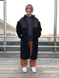 Lee アミュプラザ博多店のたまちゃんさんのLeeの【ユニセックス】【着回し力抜群】フリース コートを使ったコーディネート