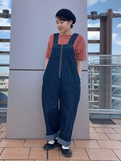 ららぽーと横浜のAyanaさんのLeeのバルーンフィット 半袖Tシャツを使ったコーディネート