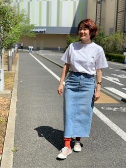 ららぽーと横浜のAyanaさんのLeeの終了【サマーセール】【男女兼用】バックプリントTシャツ半袖1を使ったコーディネート