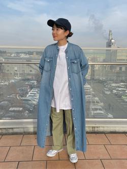 ららぽーと横浜のAyanaさんのLeeのバンドカラー デニム/コットン ロングシャツワンピースを使ったコーディネート