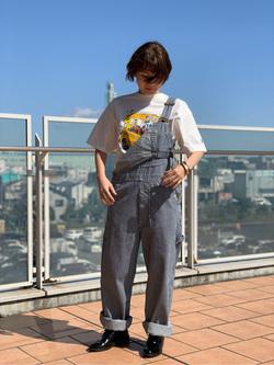 ららぽーと横浜のAyanaさんのLeeの【年間ベストセラー】オーバーオールを使ったコーディネート