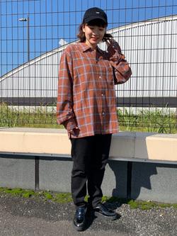 ららぽーと横浜のAyanaさんのLeeのチェックオープンカラー 長袖を使ったコーディネート