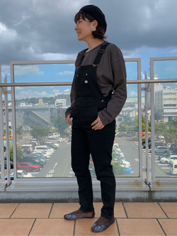 ららぽーと横浜のAyanaさんのLeeの【着回し力抜群】ビッグフィット長袖カットソーを使ったコーディネート
